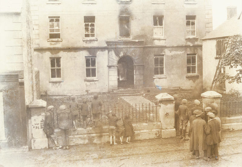 The barracks of the Royal Irish Constabulary was in Church Street on the site of the old Bridewell.