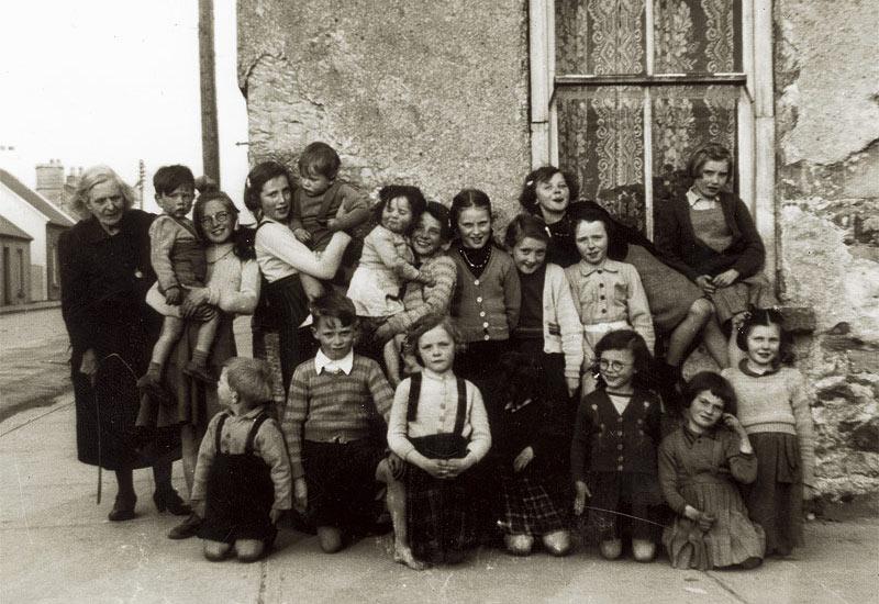 Photograph of a Charles Street / Colbert Street group in the 1950s.